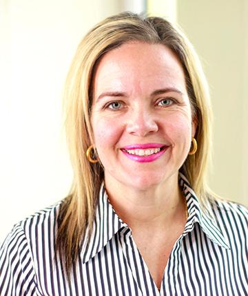 Sara van der Hoeven, - HR
