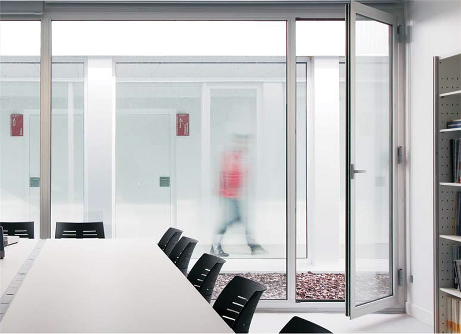 5 Star Aluminum - Windows and Balcony Doors